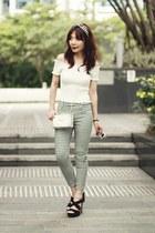 black strappy H&M heels - white clock print Choies bag - black Uniqlo pants