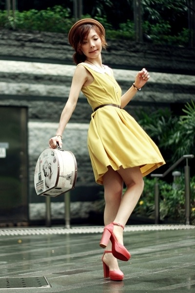 mustard lace collar dress - camel bowler hat hat - off white marilyn monroe bag