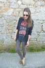Gray-pull-bear-t-shirt