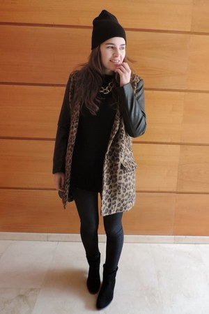 black pull&bear coat