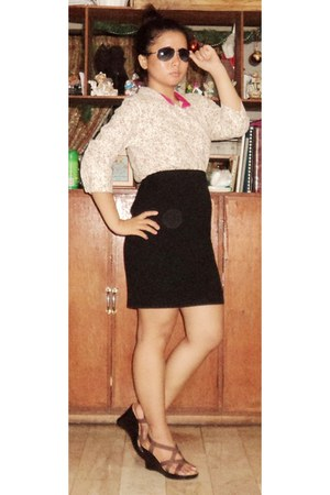 light pink floral print blouse - black skirt - dark brown wedges