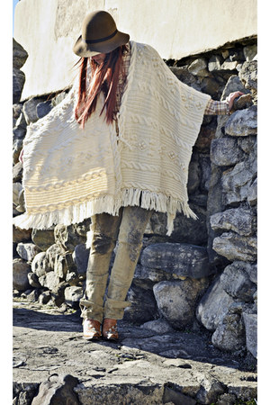 cream DIY cape - tawny cowgirl boots Cavenders boots