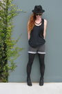 Black-h-m-top-gray-levis-shorts-black-blowfish-boots