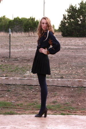 black pleated American Apparel skirt - navy thigh highs American Apparel socks
