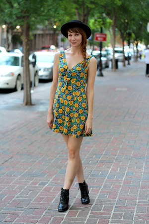 yellow Mousevox Vintage romper - black Mousevox Vintage boots
