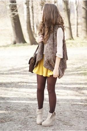 light brown Sheinside vest - beige romwe sweater - beige Papilion wedges