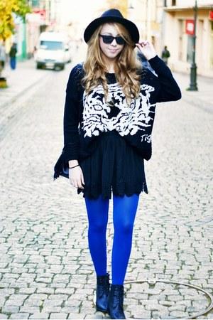 black Czas na buty boots - black OASAP hat - black Sheinside sweater