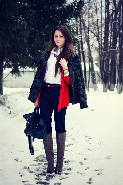 red New Yorker cardigan - heather gray Yoox boots - navy reserved bag