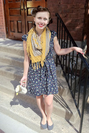 blue dress - gray shoes - gold scarf