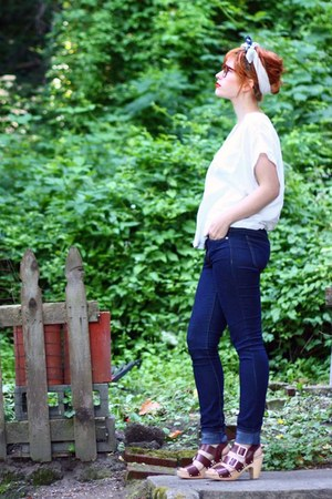 navy H&M jeans - navy thrifted vintage scarf - white Forever 21 top