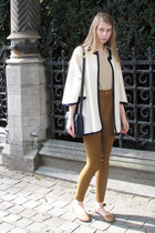 navy vintage bag - beige Esprit top - off white vintage cardigan