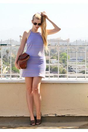 violet vintage dress - brown APC bag