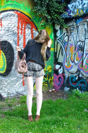 gray American Apparel sweater - light pink Miu Miu bag - black H&M shorts