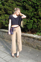 deep purple vintage purse - navy American Apparel top - beige Zara pants - tan N