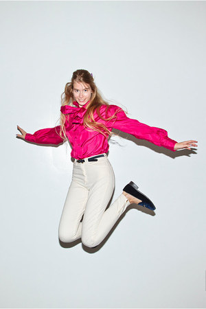 hot pink california select vintage shirt - ivory American Apparel pants