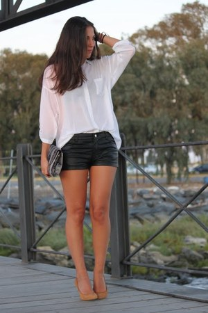 Stradivarius shirt - Zara bag - H&M shorts - Mango pumps