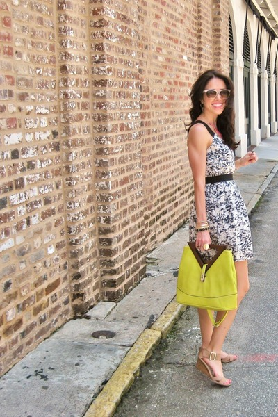 yellow Urban Expressions bag - dress - nude Nine West wedges