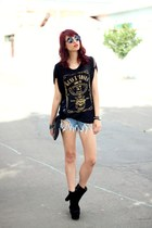 black OASAP boots - black guns n roses Doc Dog shirt - black skull romwe bag
