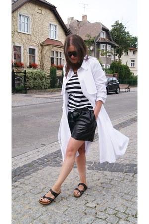 white trench coat DIY coat - black Mango t-shirt