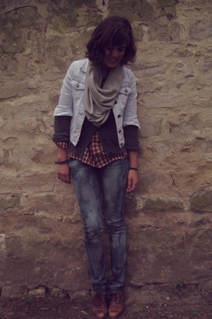Primark coat - Home-made Bleach jeans - Animale scarf - vintage shoes
