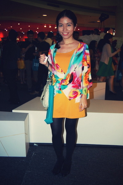 gold dress - eggshell Nine West bag - black heels - rainbow cardigan
