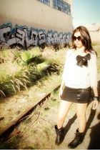 gray f21 sweater - black H&M skirt - black vintage boots - brown H&M sunglasses