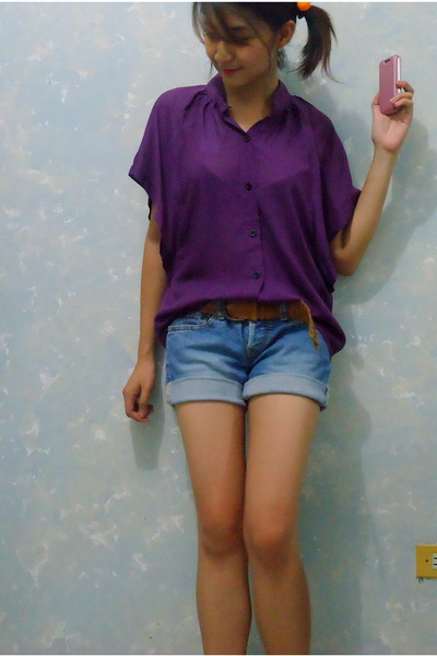 deep purple sheer blouse - blue faded Levis shorts