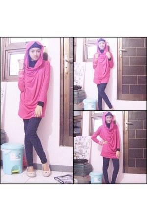 navy Zara jeans - hot pink Justine hoodie
