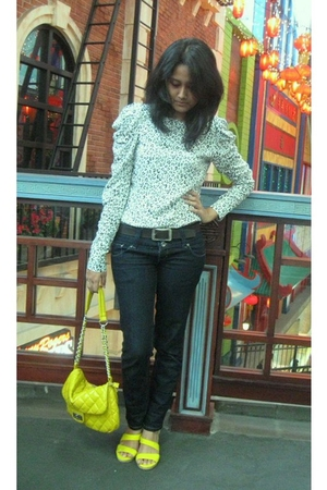yellow NABLY BYFIKA shoes - yellow purse - white Nyla blouse