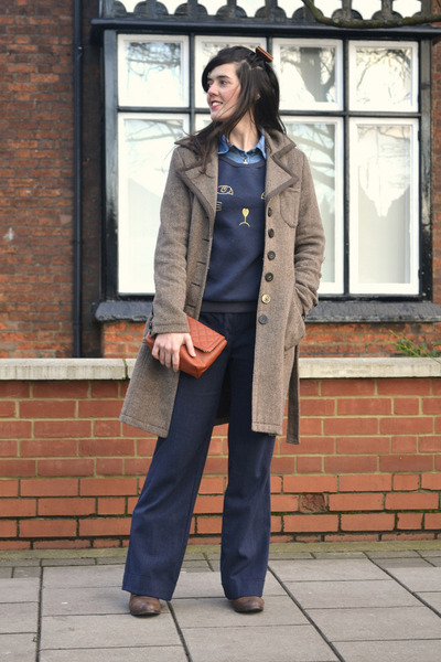 navy cat face chicnova blouse - brown Primark bag