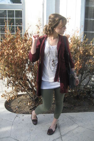 green Old Navy leggings - brown alloy shoes - beige Forever 21 shirt