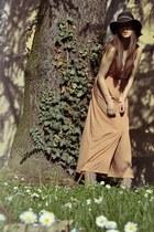 camel h6m dress - black H&M hat - peach Steve Madden heels