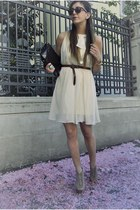 peach Steve Madden heels - light yellow Luisa Beccaria dress