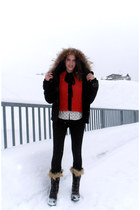 red red wool H&M top - black Sorel boots - black Adolfo Dominguez jacket