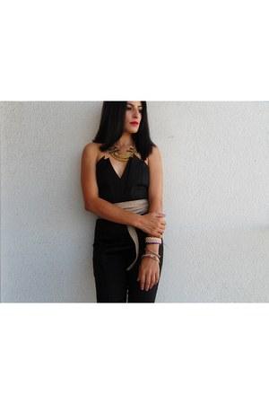 black jumper - dark khaki necklace