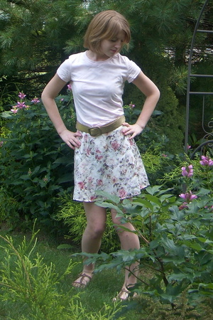 delias t-shirt - Vinatge dress - Target belt - American Eagle shoes