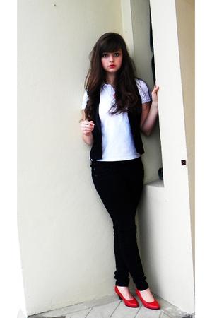 white Lacoste shirt - black etam blazer - black new look jeans - red thrifted sh