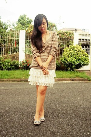 tiered lace Zara dress - sweatshirt - bow Parisian SM Department Store flats