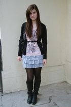 pink New Yorker t-shirt - black cardigan - gray skirt - black tights - black boo