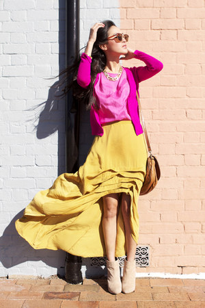 yellow cameo skirt - beige asos boots - bronze vintage bag