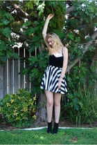 Black Bead skirt - velvet tank-top Bebe top