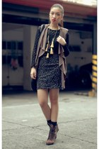 tawny boots - black leopard print skirt - black vintage lace blouse - ruckus acc