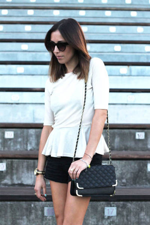black shorts Zara shorts - black chain bag asos bag