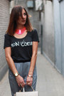 Gray-printed-tee-zara-t-shirt-hot-pink-h-m-necklace-navy-zara-pants