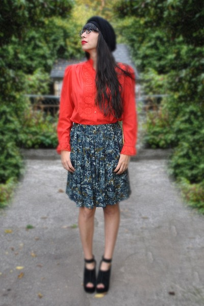 black Paris hat - red no name blouse - dark green no name skirt