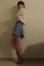 Beige-liz-claiborne-sweater-blue-skirt-beige-boots
