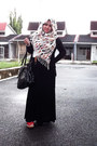 Teddy-bears-scarf-black-bag-red-vincci-wedges-belt-cardigan