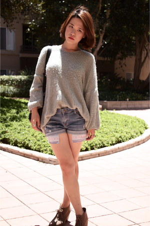 Carvela boots - vintage sweater - vintage bag - Forever 21 shorts