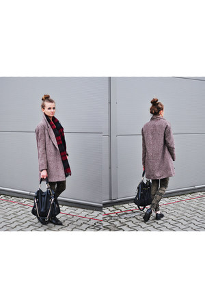 brick red cotton Pull & Bear coat - black real leather H&M boots