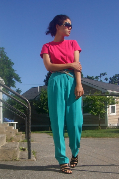 Betsey Johnson sunglasses - JCrew t-shirt - vintage pants - thrifted belt - Soff